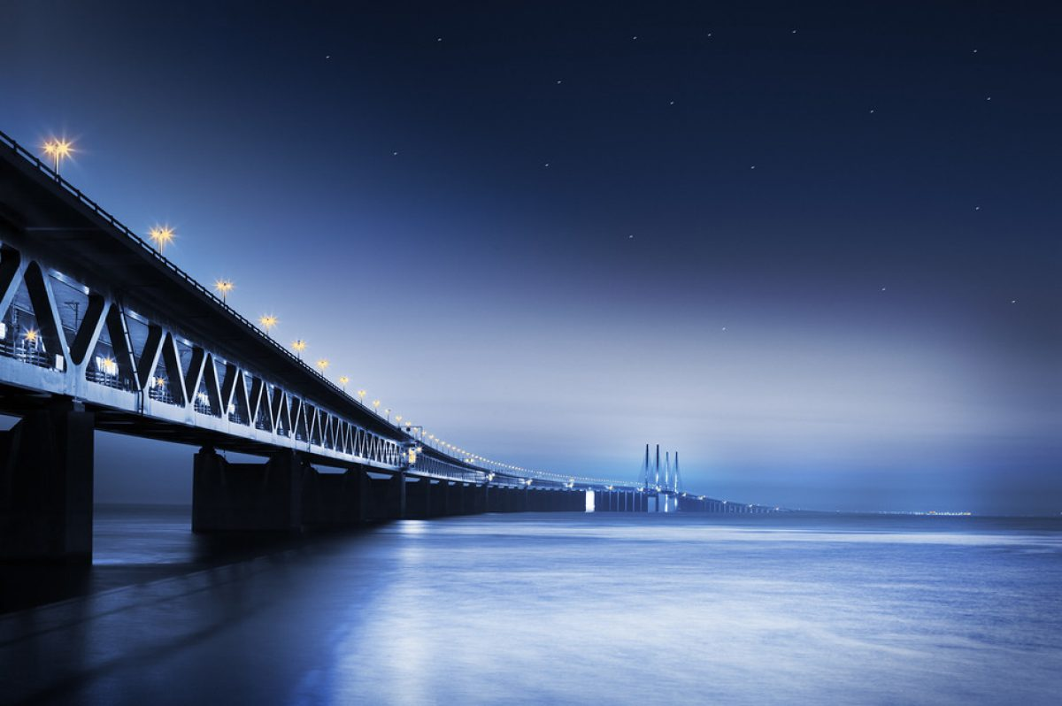 oresund-bridge-at-night